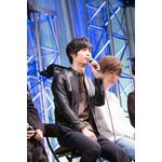 ok_nsemble-stars-stage_093